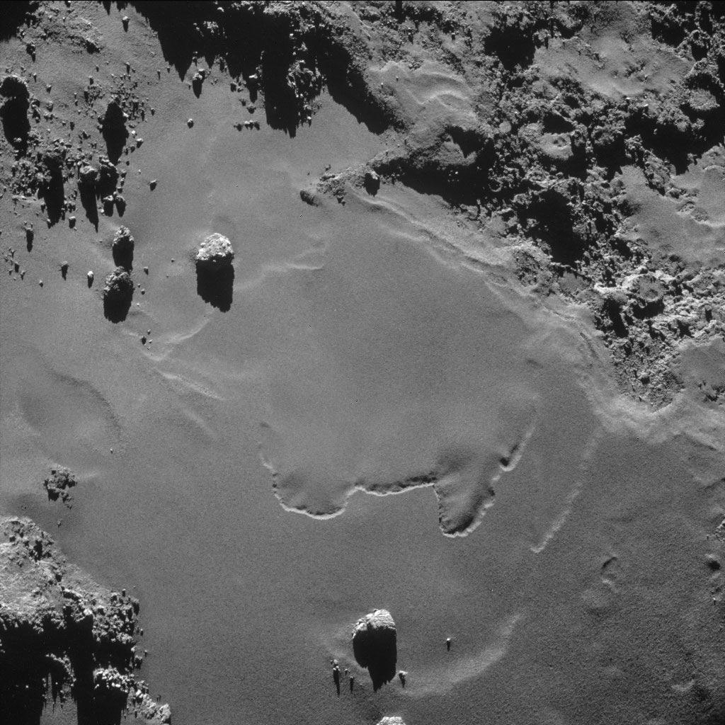 HQ Photos by Rosetta and Philae (8)
