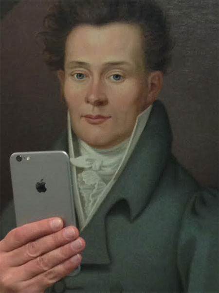 Photos-of-Museum-Portraits-Taking-Selfies-7