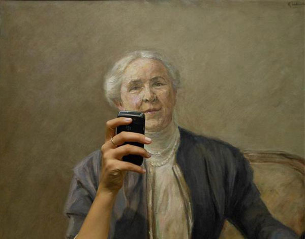 Photos-of-Museum-Portraits-Taking-Selfies-8