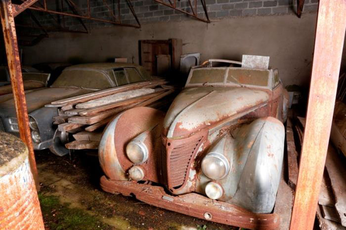 60 Rare Cars Worth Millions Found in French Countryside, Untouched for 50 Years (9)