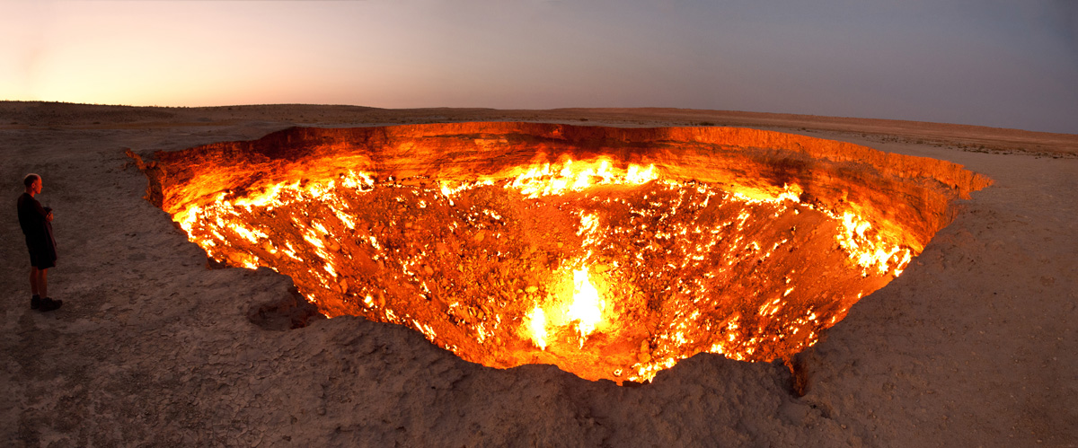 darvaza crater door to hell turkmenistan (1)