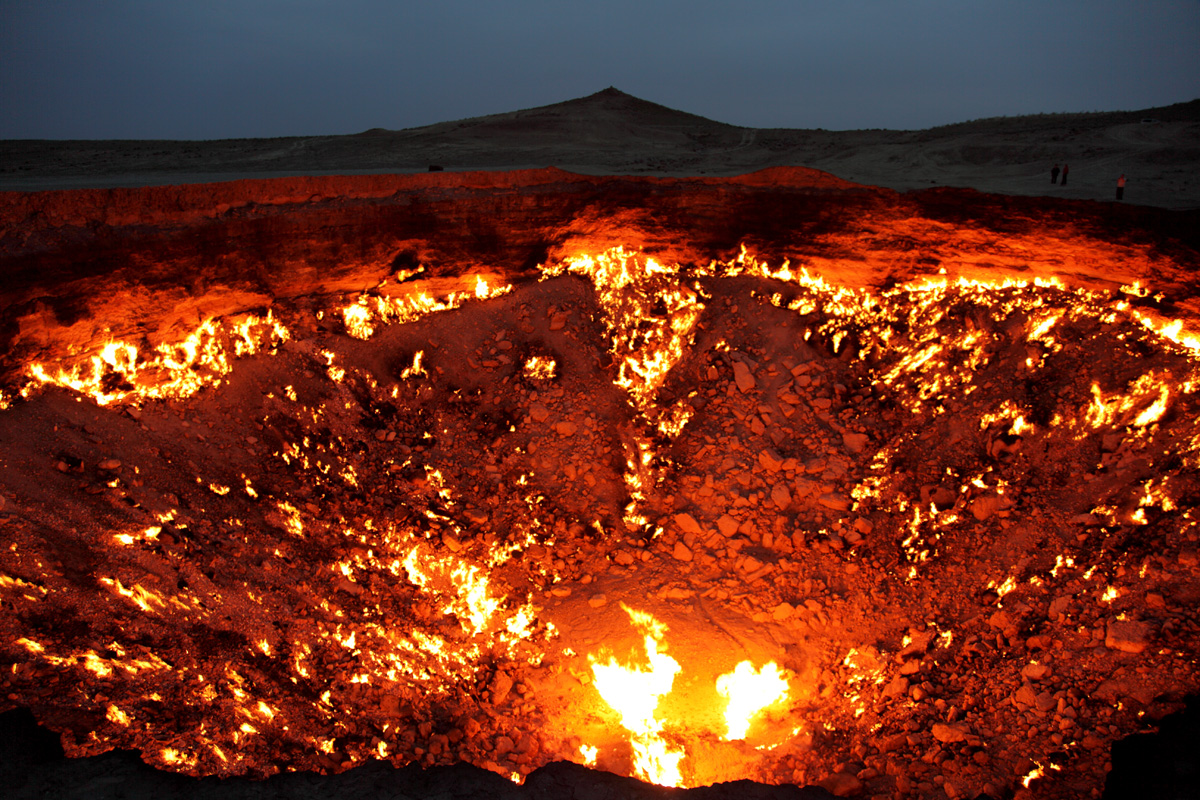 darvaza crater door to hell turkmenistan (2)