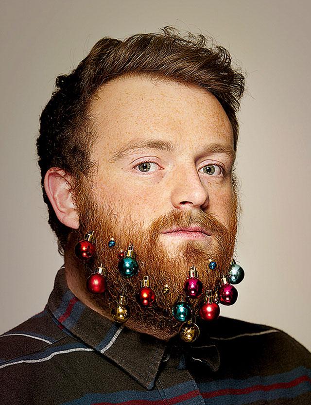 festive beard baubles turn beards into christmas trees (3)