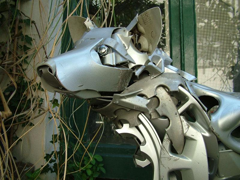 hubcap animal sculptures by ptolemy elrington (3)