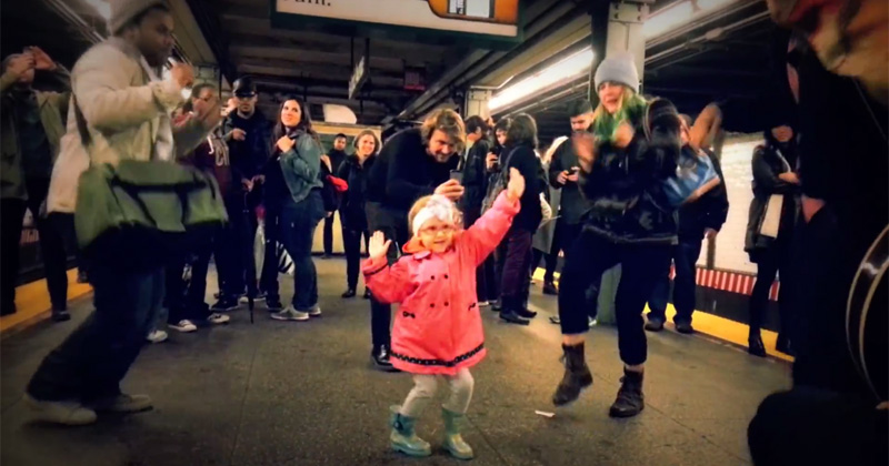 Little Girl Dances Like Nobody's Watching on a Subway Platform in NYC