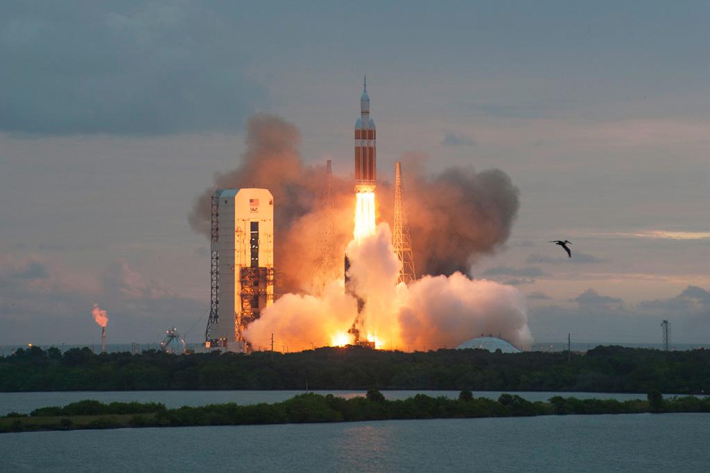 nasa orion launch hq high res photos (3)