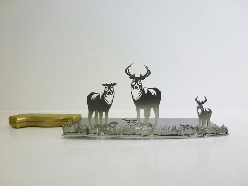 Artist Carves Amazing Sculptures out of the Blades of Knives