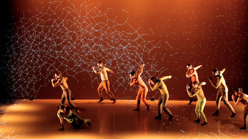 Awesome Routine Combines Dance with Interactive 3D Projections