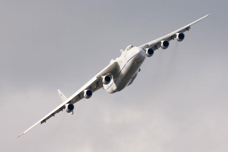 The Largest Airplane Ever Built antonov an-225 mriya (8)