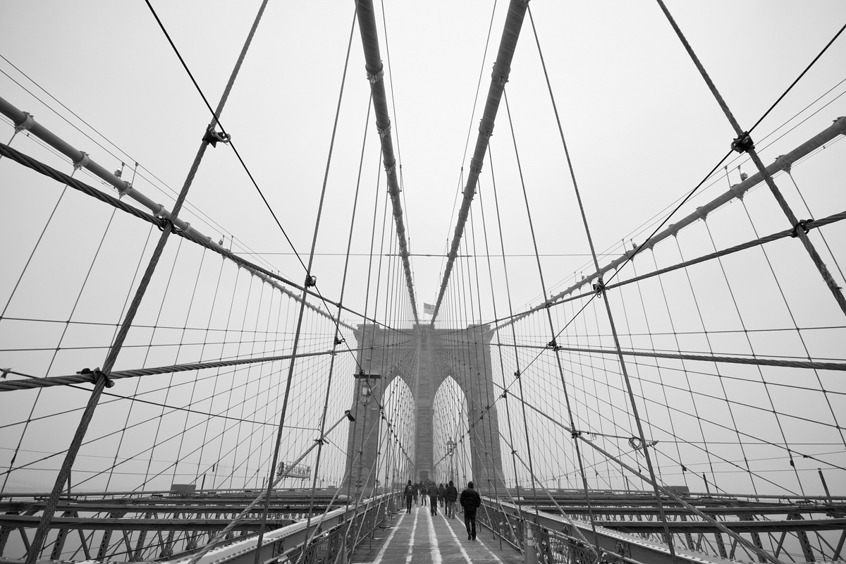 brooklyn bridge black and white symmetry Picture of the Day: Brooklyn Bridge Symmetry