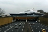 Picture of the Day: Yacht-queduct