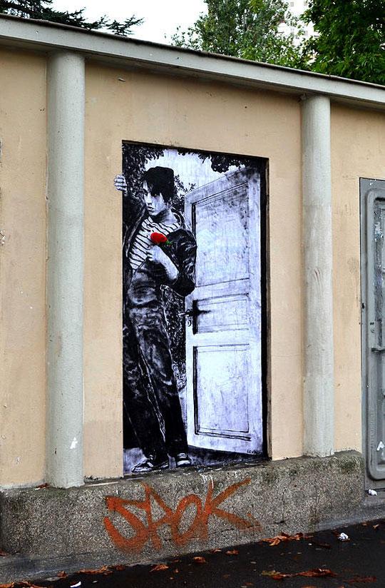 street art in paris by levalet (10)