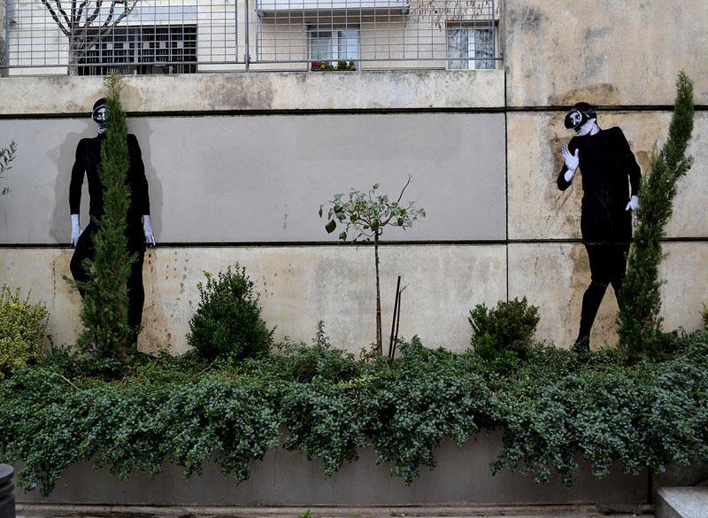 street art in paris by levalet (12)