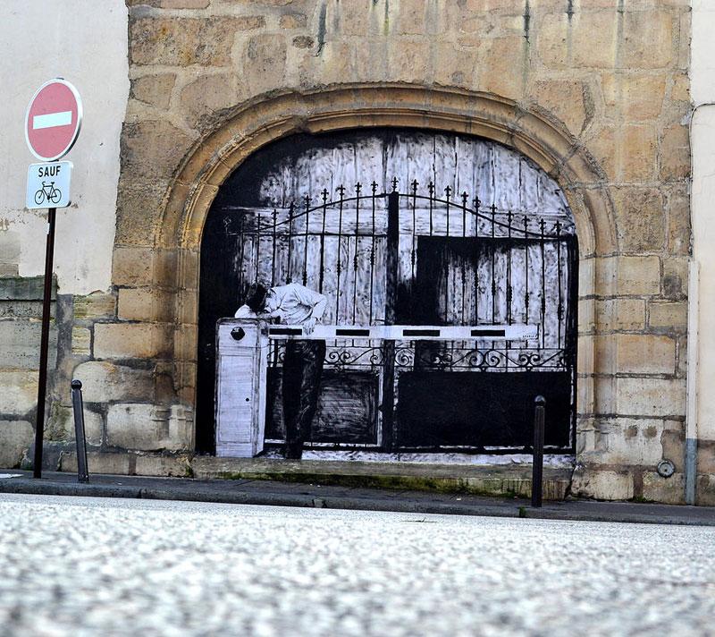 street art in paris by levalet (16)