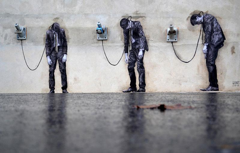 street art in paris by levalet (6)