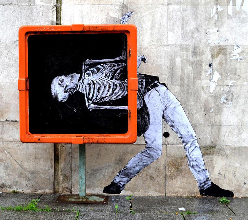 street art in paris by levalet (8)