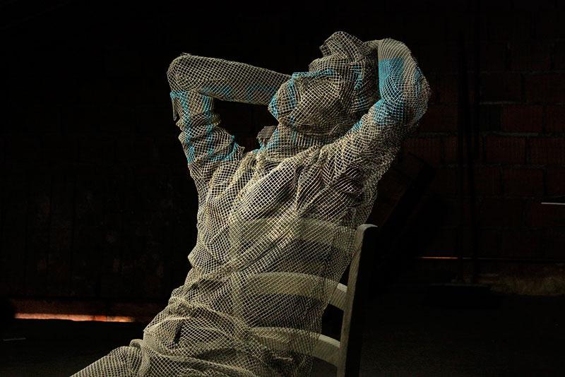 figurative wire mesh sculptures by Edoardo Tresoldi (10)