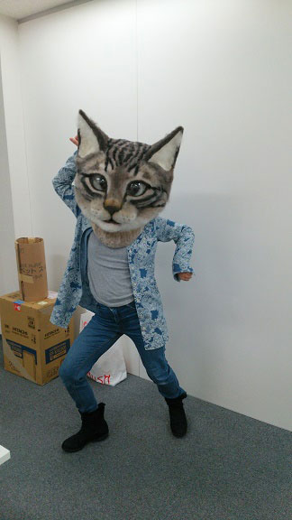 giant cat head you can wear japan (12)