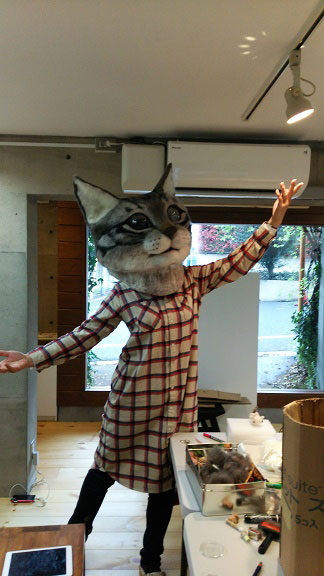 giant cat head you can wear japan (13)
