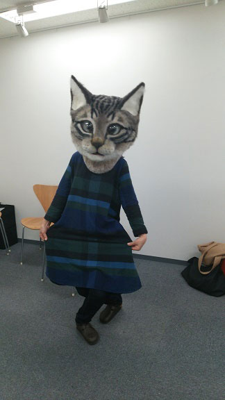 giant cat head you can wear japan (6)