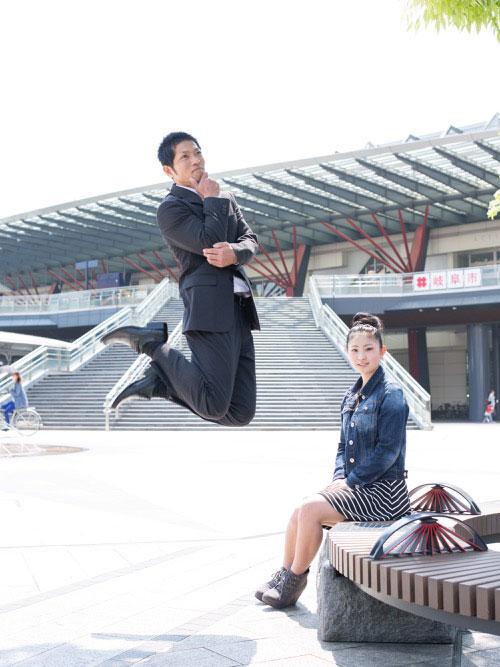 Japanese Businessmen Jumping Beside their Daughters by yuki aoyama (6)