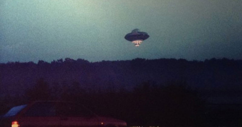 The Time Richard Branson Flew a UFO Over London in an ET Costume