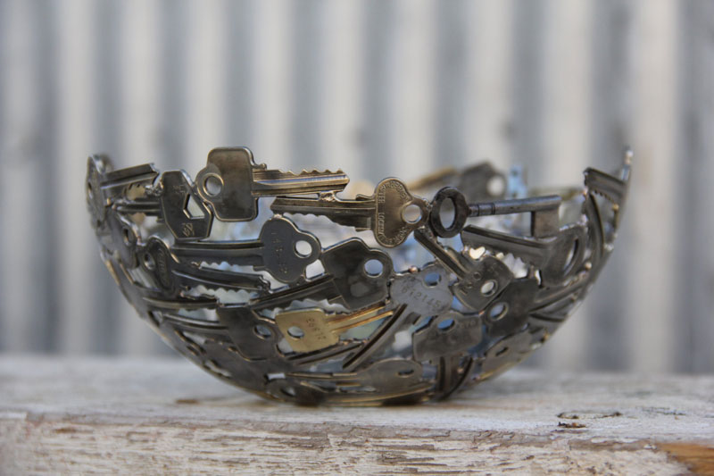 Artist Turns Discarded Keys and Coins Into Works of Art (9)