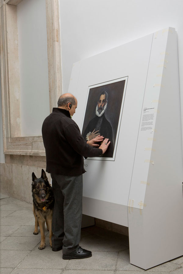 Museum Exhibit for the Blind Encourages People to Touch the Artworks (2)