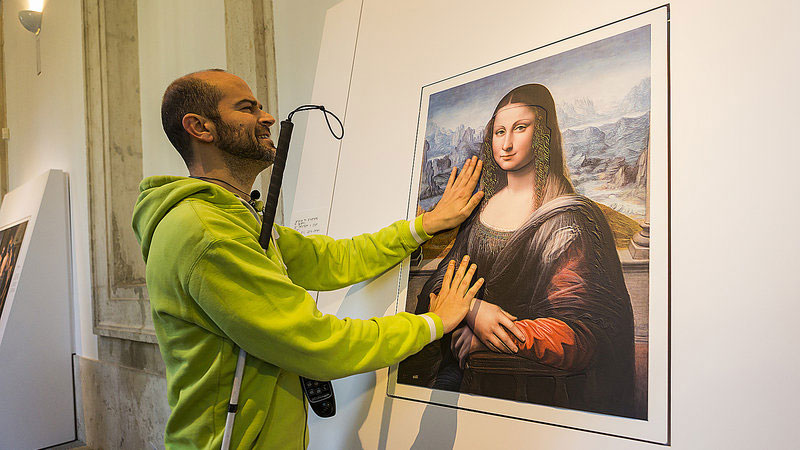Museum Exhibit for the Blind Encourages People to Touch the Artworks (5)
