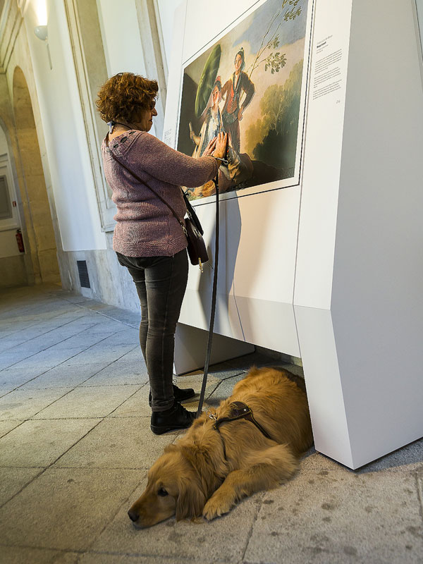 Museum Exhibit for the Blind Encourages People to Touch the Artworks (6)
