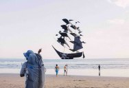 Picture of the Day: Perfectly Timed Pirate Ship Kite