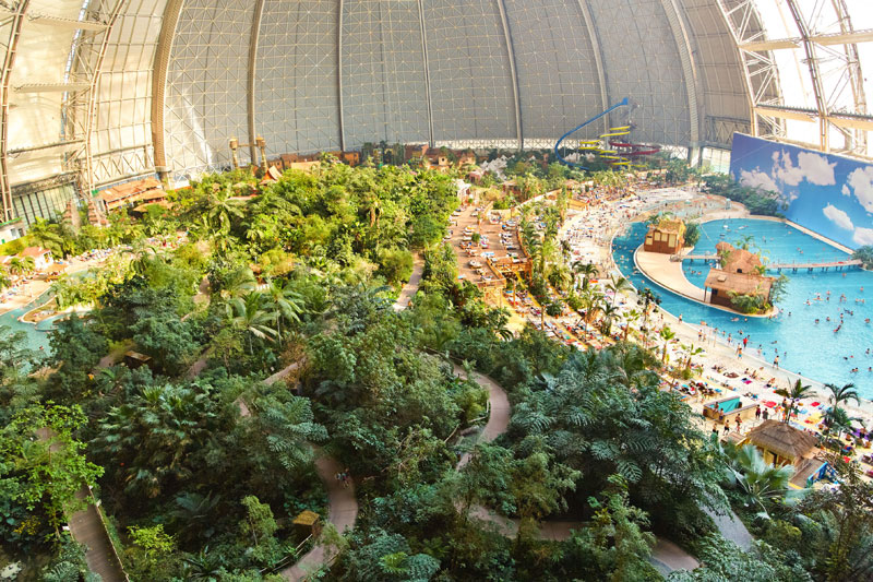 tropical islands resort the Giant Waterpark Inside an Old German Airship Hangar (26)