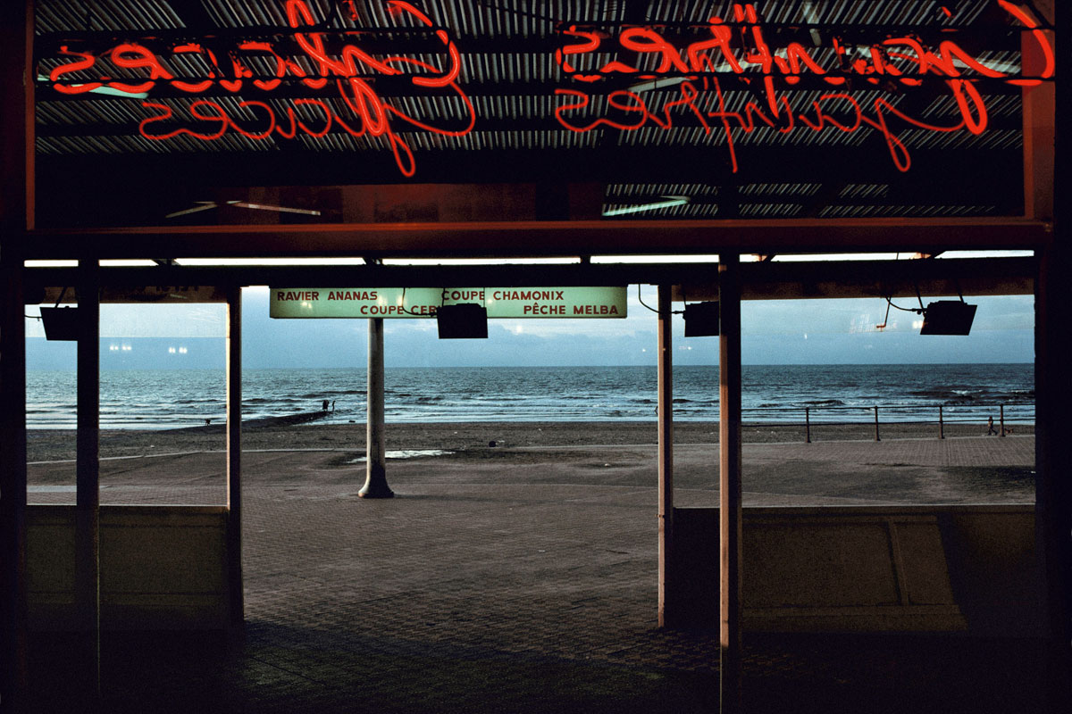 BELGIUM. Town of Ostende. Coffee on the beach. 1988.
