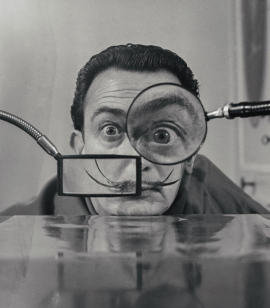 Willy-Rizzo,-Salvador-Dali---Loupes,-Paris,-1949
