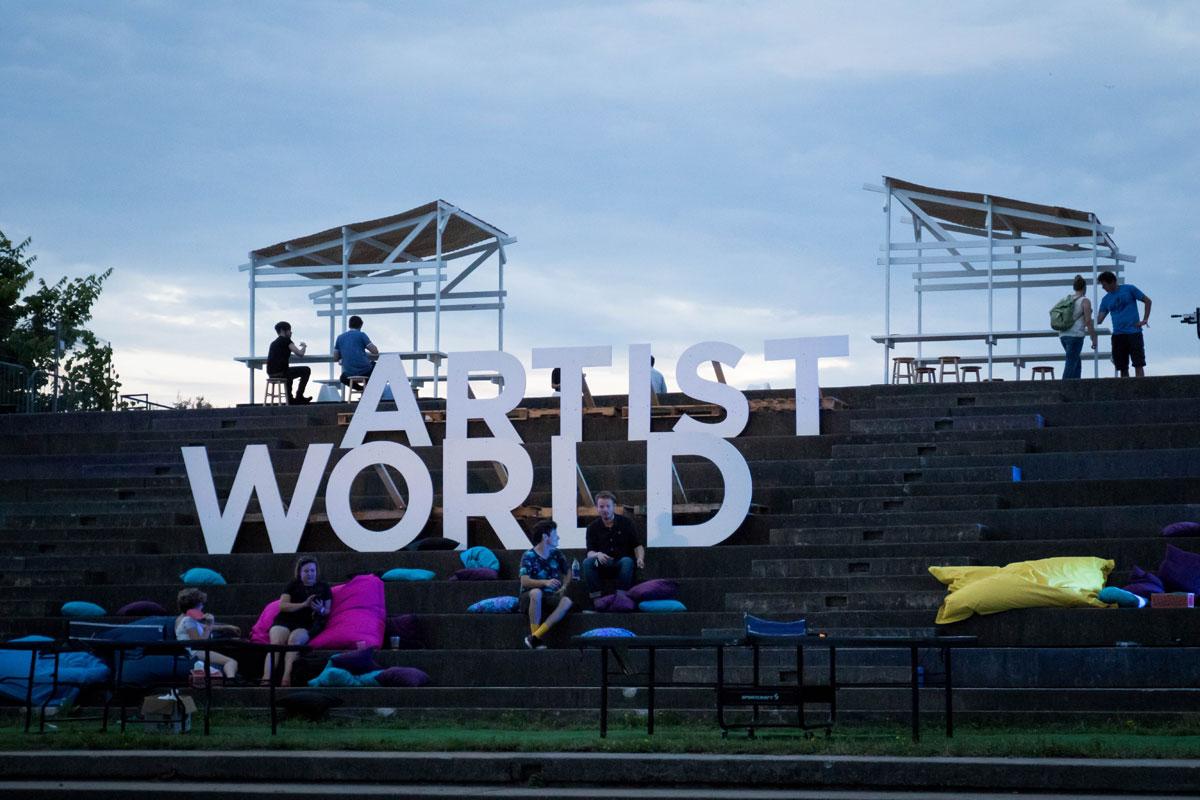 38 osheaga 2015 photo susan moss The Visual Art of the Music Festival (32 Photos)