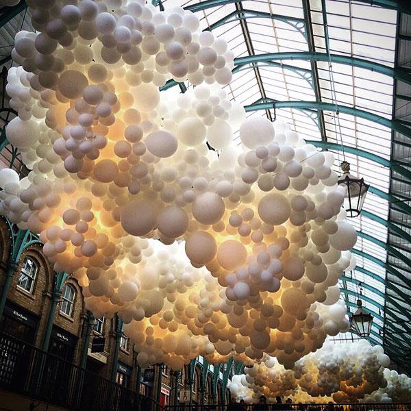 charles petillon invasion 100000 balloons covent garden (1)