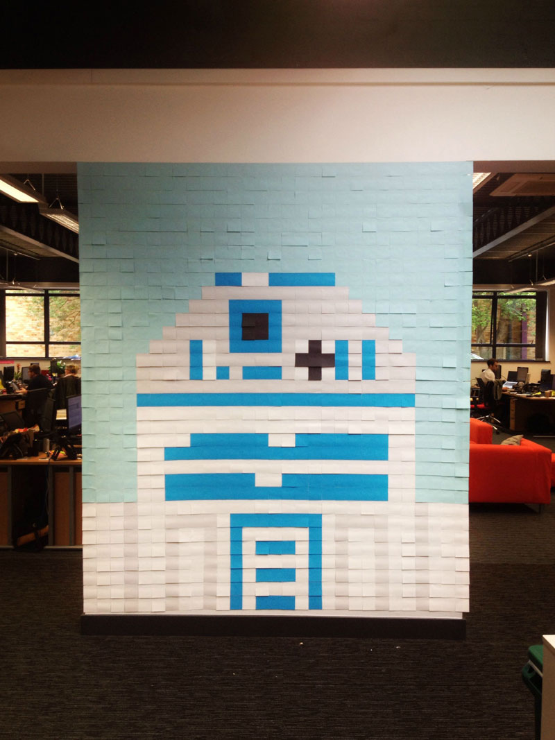 Co-Workers Use Post-Its to Turn Boring Office Walls Into Awesome Star Wars Characters (14)