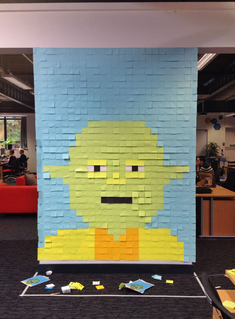 Co-Workers Use Post-Its to Turn Boring Office Walls Into Awesome Star Wars Characters (16)