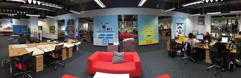 Co-Workers Use Post-Its to Turn Boring Office Walls Into Awesome Star Wars Characters (21)