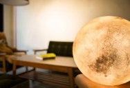A Lantern That Looks Like the Moon