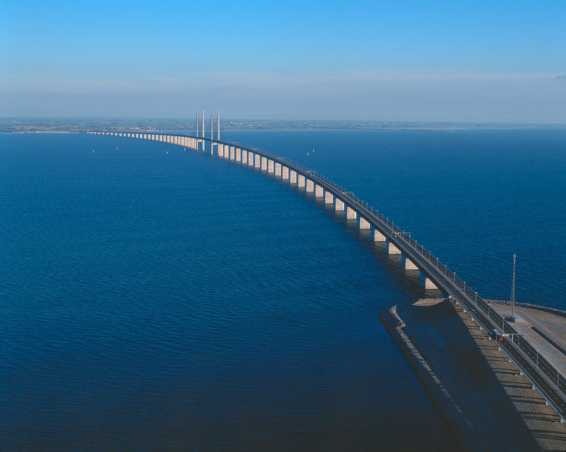 oresund bridge tunnel connects denmark and sweden (6)