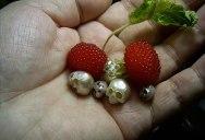 Shinji Nakaba Carves Amazing Miniature Skulls Out of Pearls