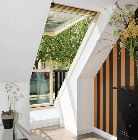 roof window opens into balcony velux cabrio (5)