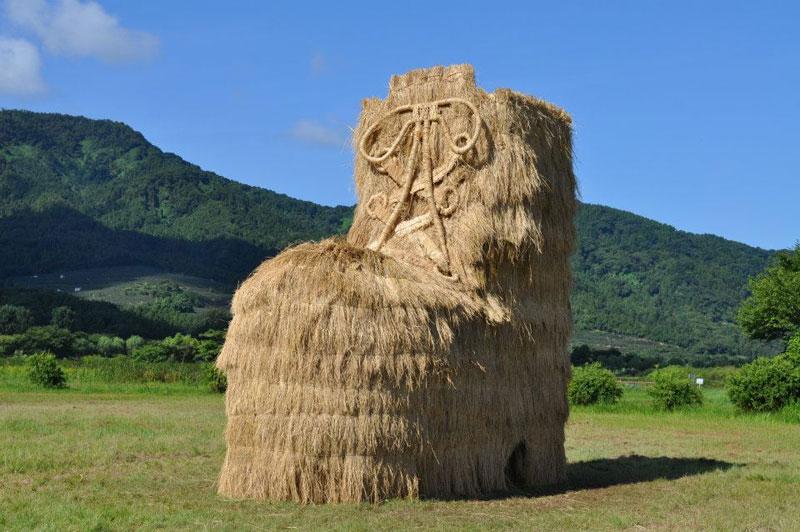 straw art festival niigata city japan (6)