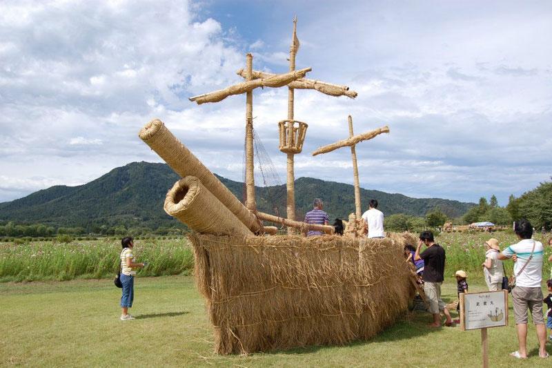 straw art festival niigata city japan (8)