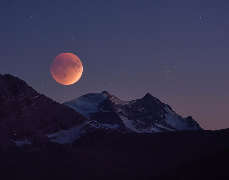 11 Photos of the Super-Mega-Ultra-Blood-Moon-Eclipse That You Probably Didn't See
