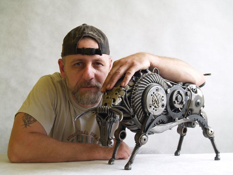 Tomas Vitanovsky makes animal sculptures out of scrap metal (12)