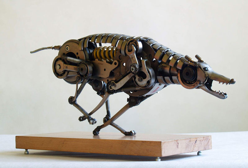 Tomas Vitanovsky makes animal sculptures out of scrap metal (3)