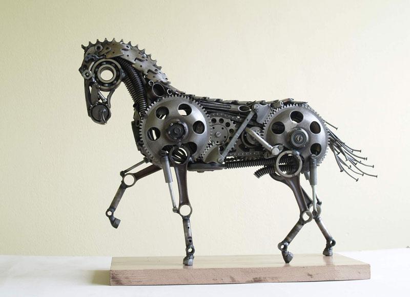 Tomas Vitanovsky makes animal sculptures out of scrap metal (9)