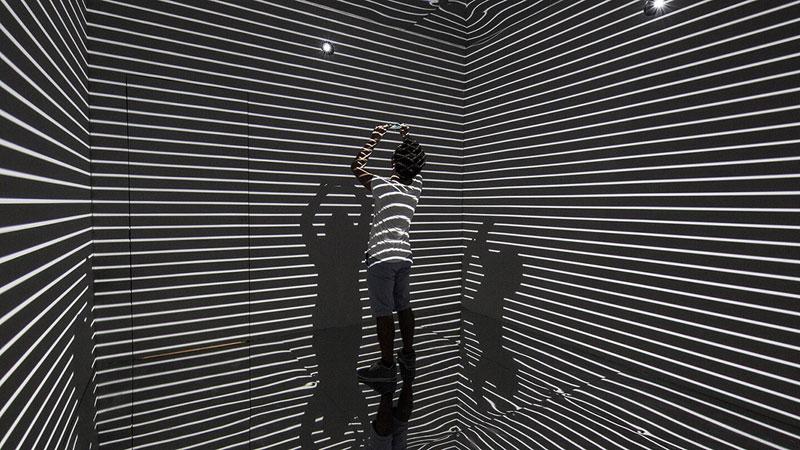 Infinity Room 2015 by Refik Anadol (2)
